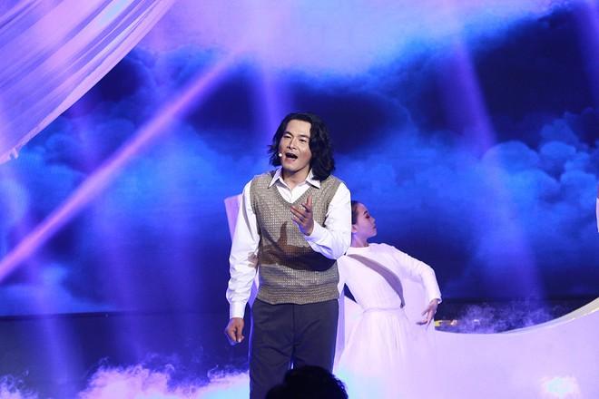 Đăng quang Tình bolero 2020, Quách Ngọc Ngoan tặng giải thưởng cho Phượng Chanel - ảnh 1