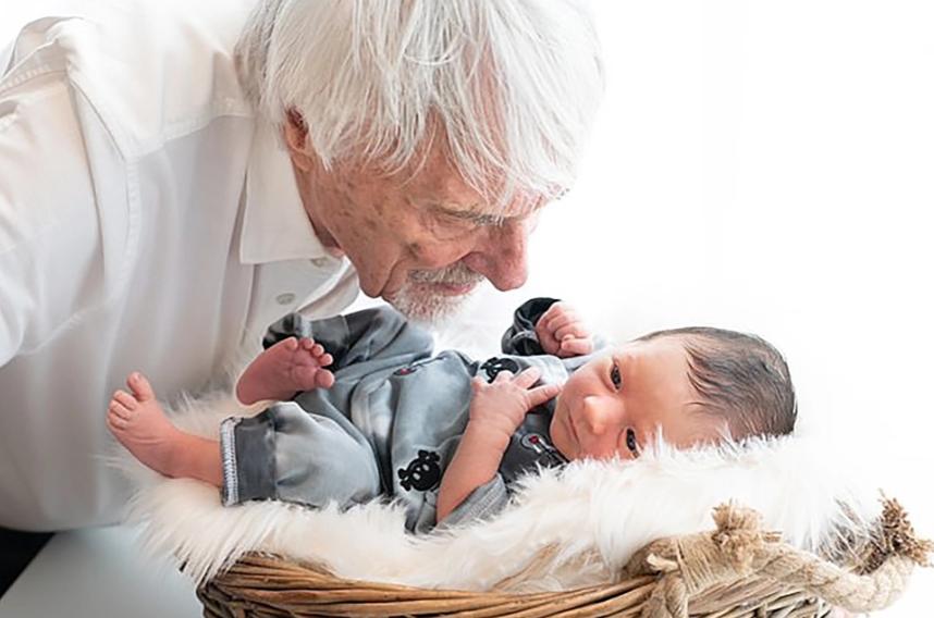 Vừa đón quý tử nối dõi ở tuổi 89, ông trùm F1 tiếp tục muốn có thêm con: Không cần đến thần dược Viagra, chỉ bổ sung 1 loại vitamin cực thông dụng - Ảnh 1.