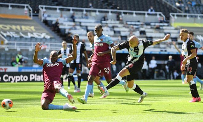 Video highlight trận Newcastle - West Ham: Rượt đuổi ngoạn mục, cơn mưa bàn thắng - 2
