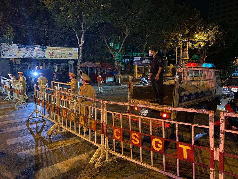 Đà Nẵng đã phong tỏa một số con phố - ảnh 9