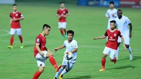 Phố Hiến (trái) sẽ gặp nhiều khó khăn trước An Giang dù được đá sân nhà  ảnh: Minh Tuấn