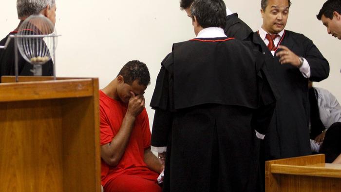 10 năm trước, thế giới bóng đá cũng sục sôi vì một Bruno Fernandes, nhưng là kẻ máu lạnh ghê tởm đã giết người tình và bắt cóc con trai - Ảnh 3.
