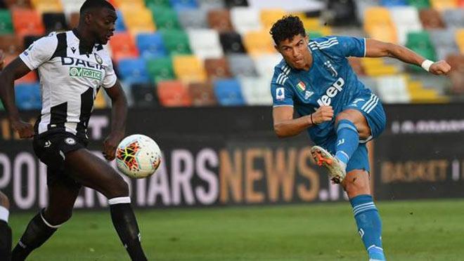 Juventus hụt vô địch Serie A: HLV Sarri mắng học trò, bị đối thủ cà khịa - 1