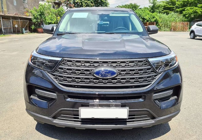 Ford Explorer 2020 phiên bản 'thiếu' không chính hãng về Việt Nam - ảnh 1