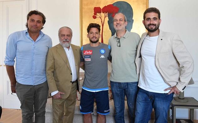 Dries Mertens tiết lộ thời điểm quyết định ở lại Napoli - Bóng Đá