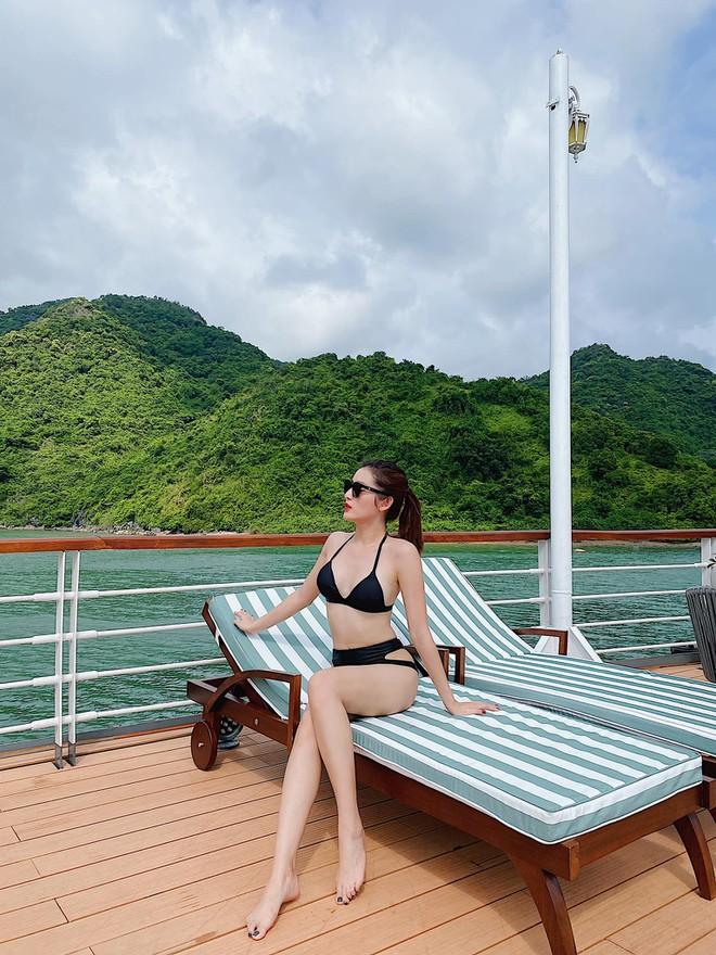 Kaity Nguyễn, Huyền My 'đua nhau' diện bikini nóng bỏng - ảnh 2