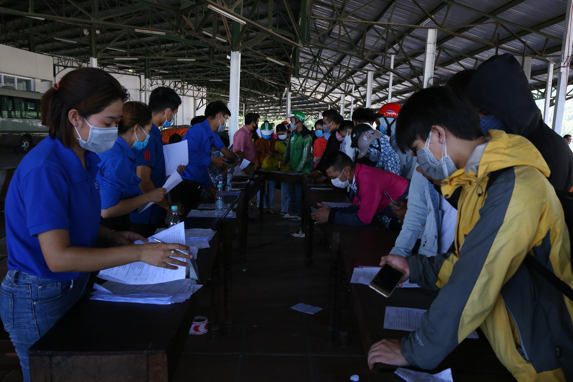 Huế cấm tất cả xe cộ, trường hợp đặc biệt mới được từ Đà Nẵng tới Huế - Ảnh 1.