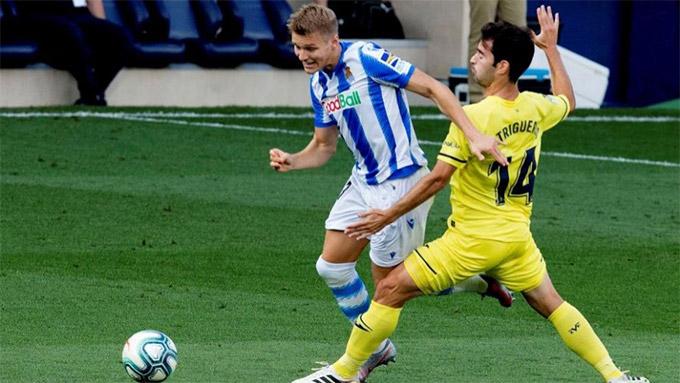 Odegaard chơi cho Sociedad theo dạng cho mượn