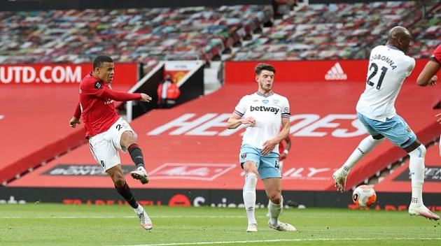 Manchester United teenage ace Mason Greenwood finally reveals his left foot is his strongest - Bóng Đá
