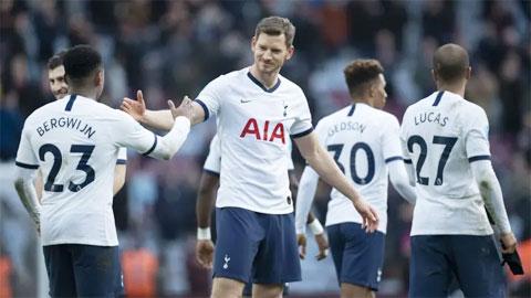 Premier League vừa trải qua vòng đấu của những cuộc chia ly
