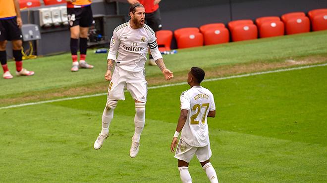 Real Madrid vô địch La Liga, Real Madrid: Liga cậy già, Champions League cậy trẻ, Real Madrid, La Liga, Bóng đá Tây Ban Nha, Champions League, C1, Real Madrid vs Man City