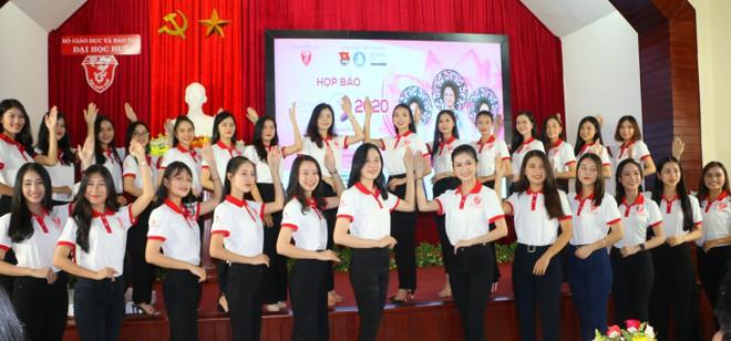 30 thí sinh vào vòng bán kết Hoa khôi Đại học Huế năm 2020 - ảnh 2