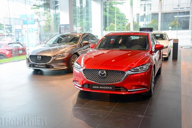 Sedan hạng D: Cuộc đua 'trẻ hóa', Mazda6 thách thức Toyota Camry - ảnh 1