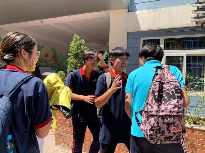 Tuyển sinh lớp 10 tại Hà Nội: Đề thi ngữ văn quen thuộc, 'trúng tủ' - ảnh 2