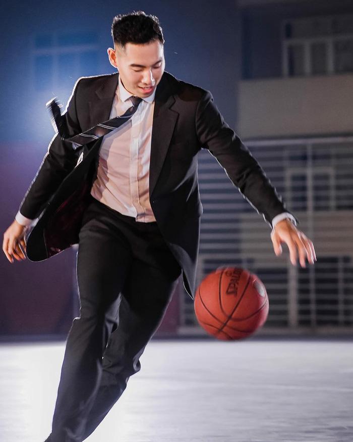 Cầu thủ bóng rổ Việt kiều Justin Young bật mí hình mẫu bạn gái lý tưởng, cơ hội cho các fangirl là đây - Ảnh 4.