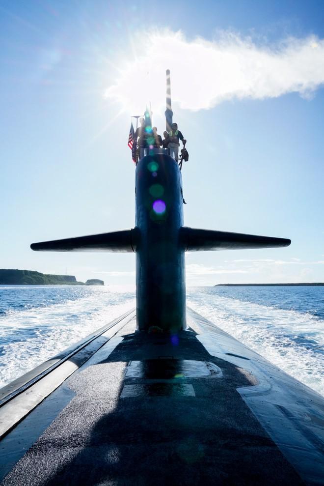 Hải quân Mỹ thao diễn rầm rộ ở Biển Đông và vùng lân cận - ảnh 9