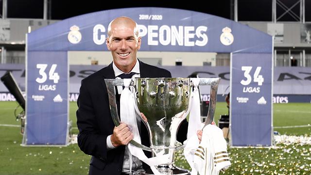 Zidane cùng chiếc cúp La Liga 2019/20