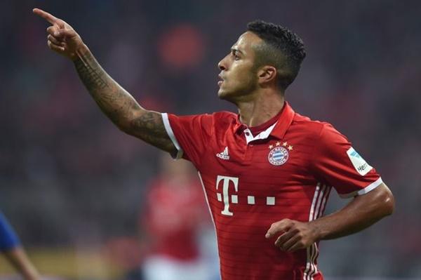 Giám đốc Bayern xác nhận Thiago muốn ra đi - Bóng Đá