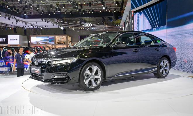 Sedan hạng D: Cuộc đua 'trẻ hóa', Mazda6 thách thức Toyota Camry - ảnh 2