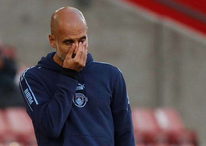 Man City nhận bàn thua... khó tin, Pep Guardiola trách học trò lơ đễnh - ảnh 1