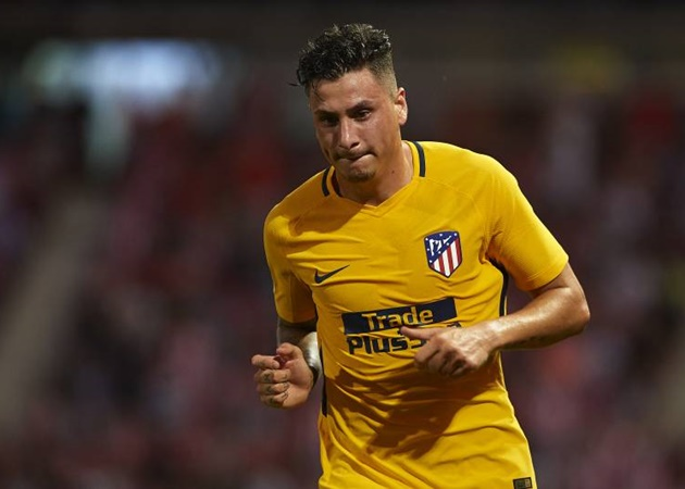 Gimenez an option for Chelsea's defensive woes - Bóng Đá